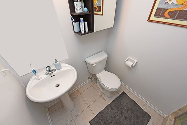 Condo Townhouse at 2464 Post Rd, Unit 7, Oakville, Ontario. Image 12