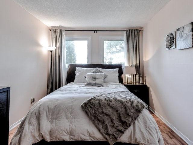 Link at 1306 Valerie Cres, Oakville, Ontario. Image 15