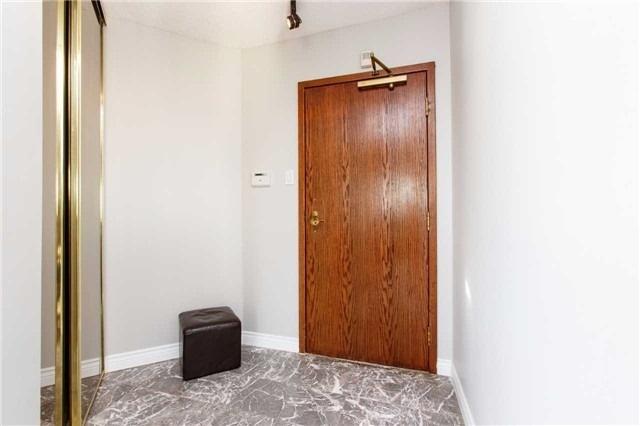 Condo Apartment at 2285 Lake Shore Blvd W, Unit 1704, Toronto, Ontario. Image 12