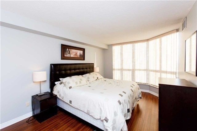 Condo Apartment at 2285 Lake Shore Blvd W, Unit 1704, Toronto, Ontario. Image 18