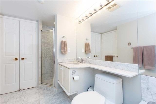 Condo Apartment at 2285 Lake Shore Blvd W, Unit 1704, Toronto, Ontario. Image 3