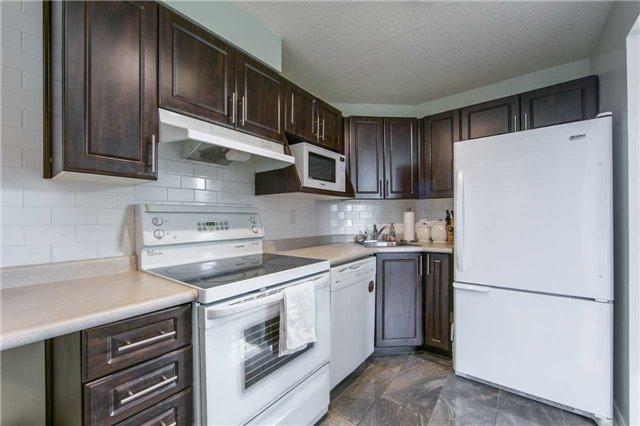 Condo Apartment at 41 Markbrook Lane, Unit 313, Toronto, Ontario. Image 17