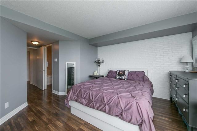 Condo Apartment at 41 Markbrook Lane, Unit 313, Toronto, Ontario. Image 20