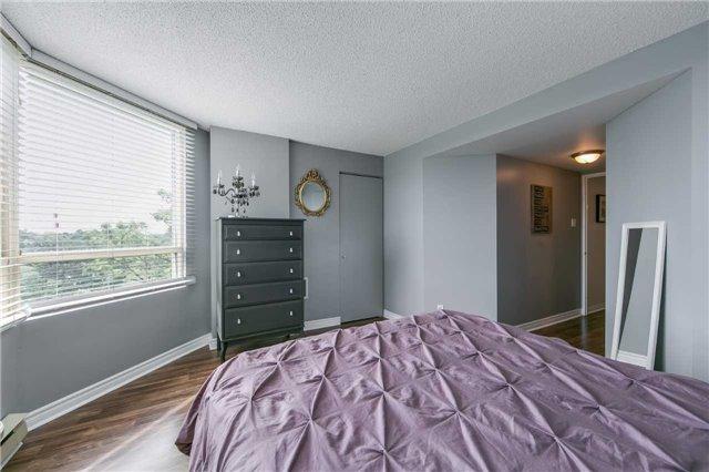 Condo Apartment at 41 Markbrook Lane, Unit 313, Toronto, Ontario. Image 2