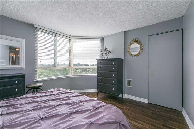 Condo Apartment at 41 Markbrook Lane, Unit 313, Toronto, Ontario. Image 3
