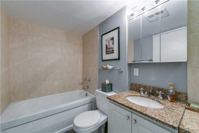 Condo Apartment at 41 Markbrook Lane, Unit 313, Toronto, Ontario. Image 4