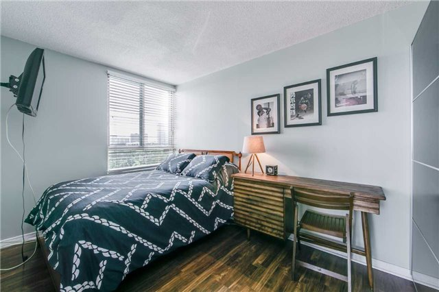 Condo Apartment at 41 Markbrook Lane, Unit 313, Toronto, Ontario. Image 6