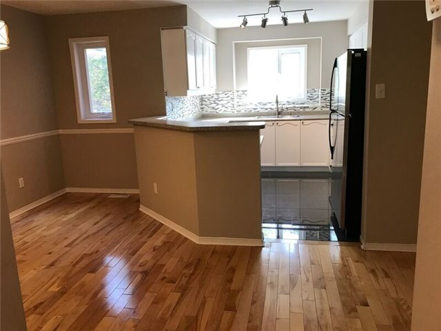 Condo Townhouse at 99 Bristol Rd E, Unit 157, Mississauga, Ontario. Image 3