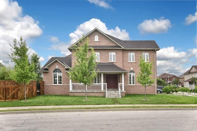 Detached at 92 Beavervalley Dr, Brampton, Ontario. Image 1