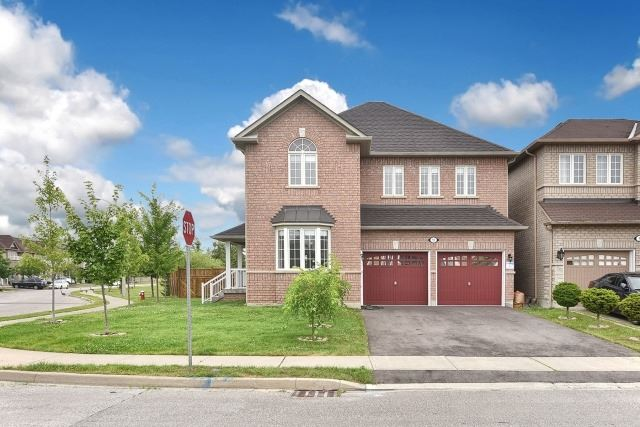 Detached at 92 Beavervalley Dr, Brampton, Ontario. Image 9