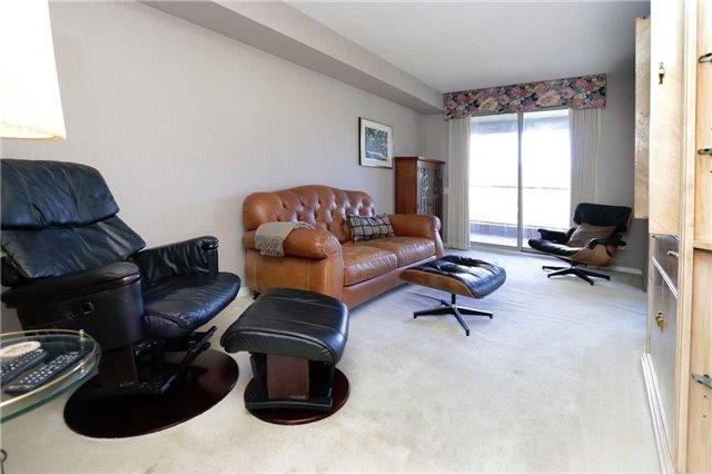 Condo Apartment at 1800 The Collegeway, Unit 404, Mississauga, Ontario. Image 14