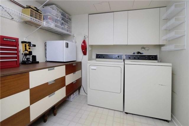 Condo Apartment at 1800 The Collegeway, Unit 404, Mississauga, Ontario. Image 6