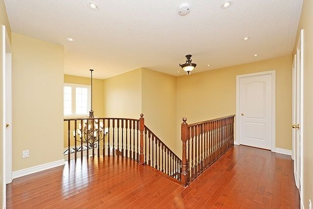 Detached at 1157 Little Cres, Milton, Ontario. Image 2