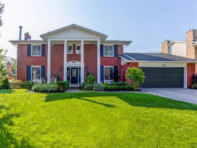 Detached at 1174 Tyandaga Park Dr, Burlington, Ontario. Image 1