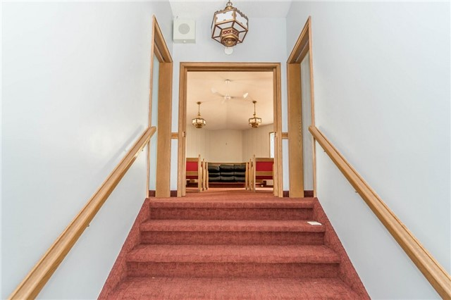 Detached at 2107 Lakeshore Rd W, Oakville, Ontario. Image 11