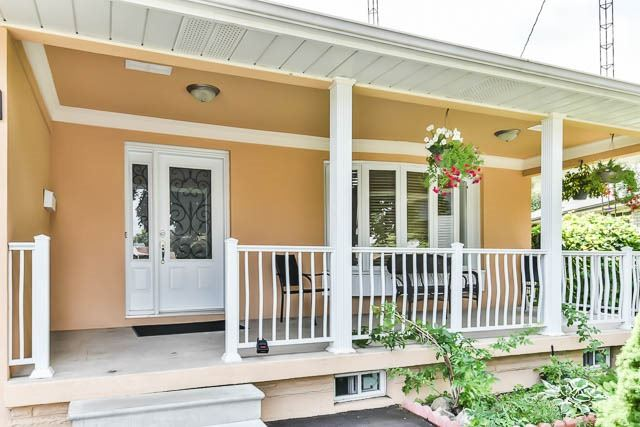 Detached at 9 Quinby Crt, Toronto, Ontario. Image 12