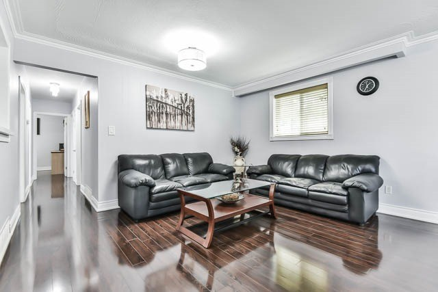 Detached at 9 Quinby Crt, Toronto, Ontario. Image 16