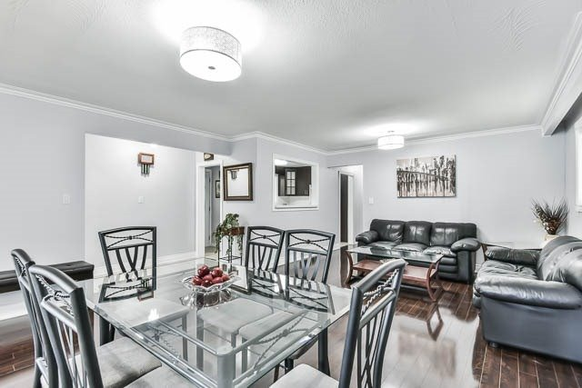 Detached at 9 Quinby Crt, Toronto, Ontario. Image 17