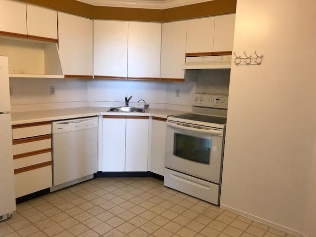 Condo Apartment at 61 Markbrook Lane, Unit 317, Toronto, Ontario. Image 18