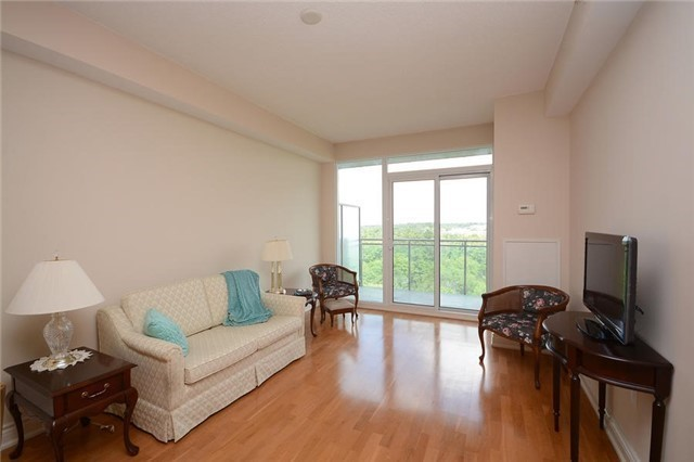 Condo Apartment at 1665 The Collegeway, Unit 1210, Mississauga, Ontario. Image 1