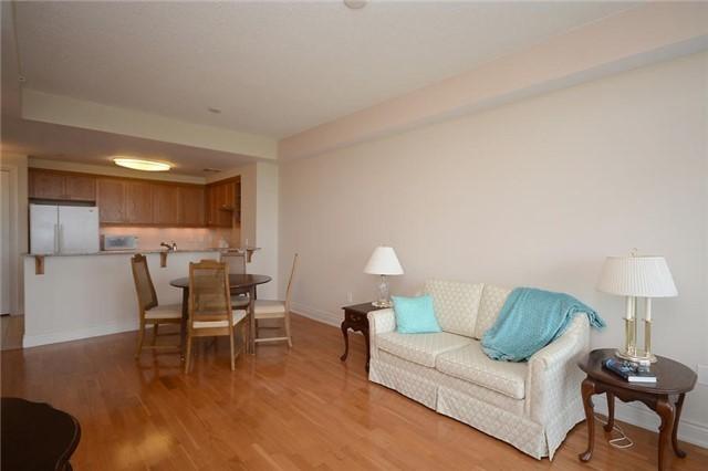Condo Apartment at 1665 The Collegeway, Unit 1210, Mississauga, Ontario. Image 14