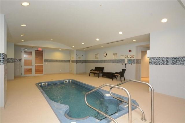 Condo Apartment at 1665 The Collegeway, Unit 1210, Mississauga, Ontario. Image 8