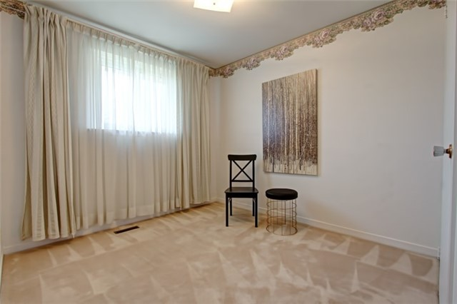 Condo Townhouse at 1302 Guelph Line, Unit 3, Burlington, Ontario. Image 7