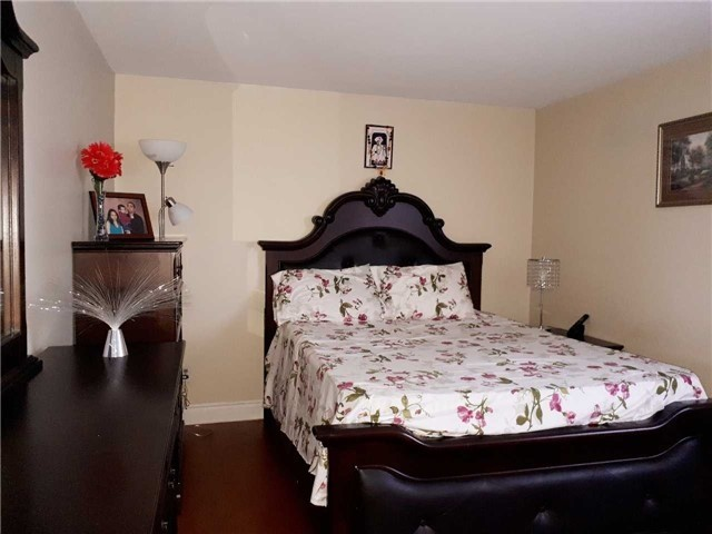 Condo Townhouse at 1605 Albion Rd, Unit 285, Toronto, Ontario. Image 6