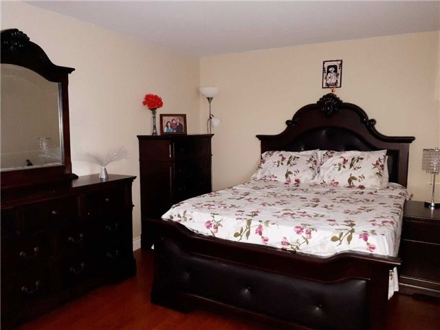 Condo Townhouse at 1605 Albion Rd, Unit 285, Toronto, Ontario. Image 7