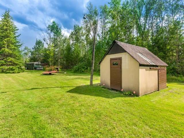 Detached at 16500 Mclaughlin Rd, Caledon, Ontario. Image 10