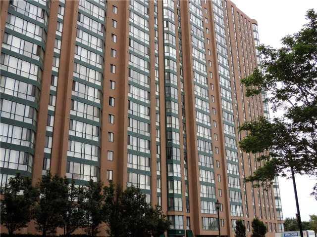 Condo Apartment at 145 Hillcrest Ave, Unit 1613, Mississauga, Ontario. Image 1