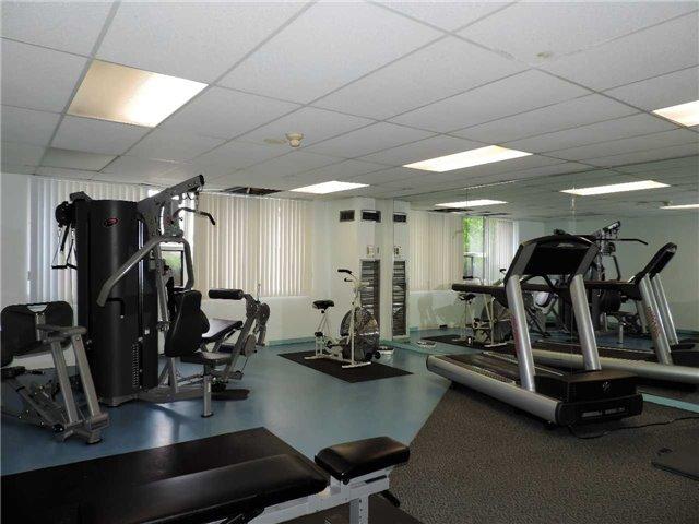 Condo Apartment at 145 Hillcrest Ave, Unit 1613, Mississauga, Ontario. Image 11