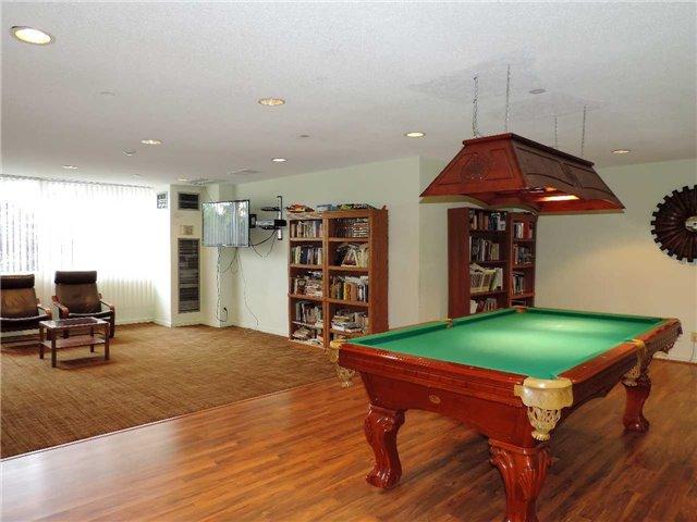 Condo Apartment at 145 Hillcrest Ave, Unit 1613, Mississauga, Ontario. Image 12