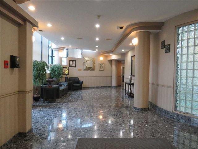 Condo Apartment at 25 Trailwood Dr, Unit 1108, Mississauga, Ontario. Image 14