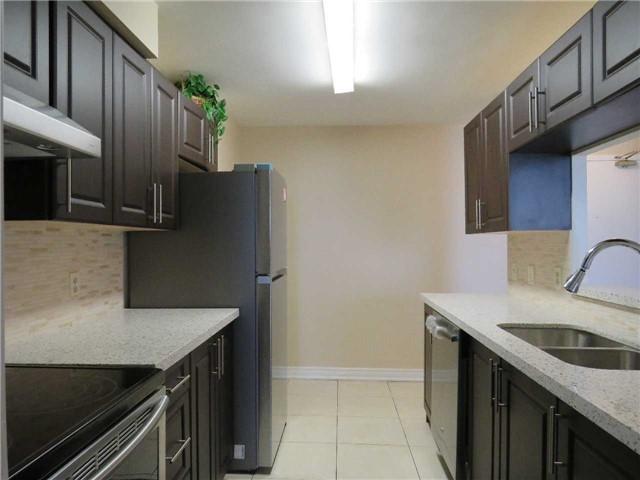 Condo Apartment at 25 Trailwood Dr, Unit 1108, Mississauga, Ontario. Image 19