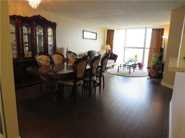 Condo Apartment at 25 Trailwood Dr, Unit 1108, Mississauga, Ontario. Image 20
