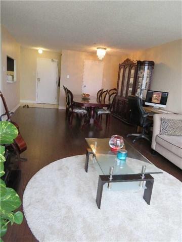 Condo Apartment at 25 Trailwood Dr, Unit 1108, Mississauga, Ontario. Image 5