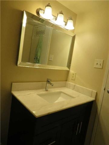 Condo Apartment at 25 Trailwood Dr, Unit 1108, Mississauga, Ontario. Image 11