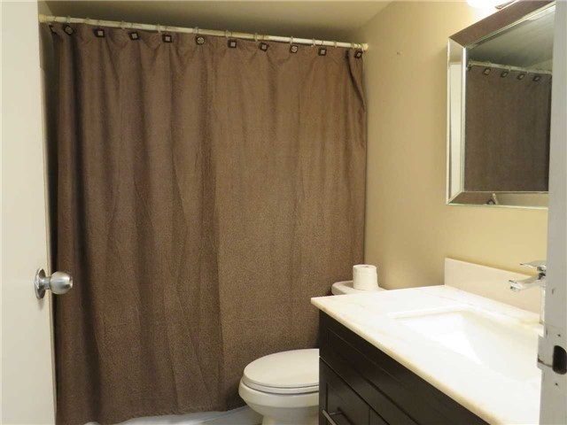 Condo Apartment at 25 Trailwood Dr, Unit 1108, Mississauga, Ontario. Image 13