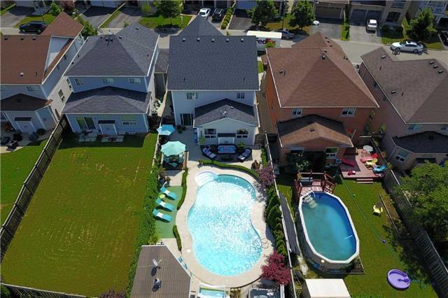 Detached at 164 Cooke Cres, Milton, Ontario. Image 1