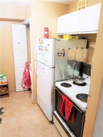 Condo Apartment at 1450 Glen Abbey Gate, Unit 712, Oakville, Ontario. Image 10
