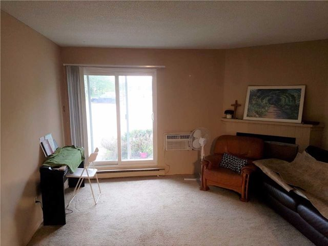 Condo Apartment at 1450 Glen Abbey Gate, Unit 712, Oakville, Ontario. Image 3