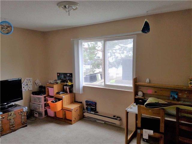 Condo Apartment at 1450 Glen Abbey Gate, Unit 712, Oakville, Ontario. Image 4