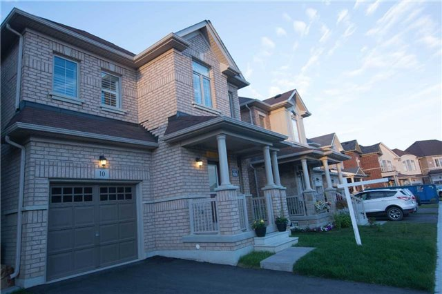 Detached at 10 Lloyd Cres, Brampton, Ontario. Image 1