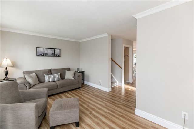 Semi-detached at 38 Pontiac Crt, Brampton, Ontario. Image 12