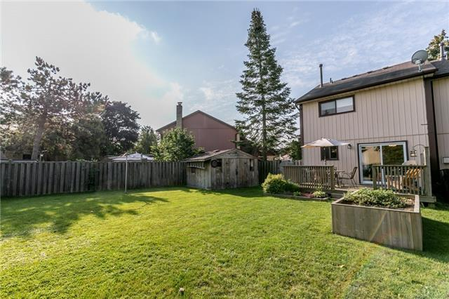 Semi-detached at 38 Pontiac Crt, Brampton, Ontario. Image 8