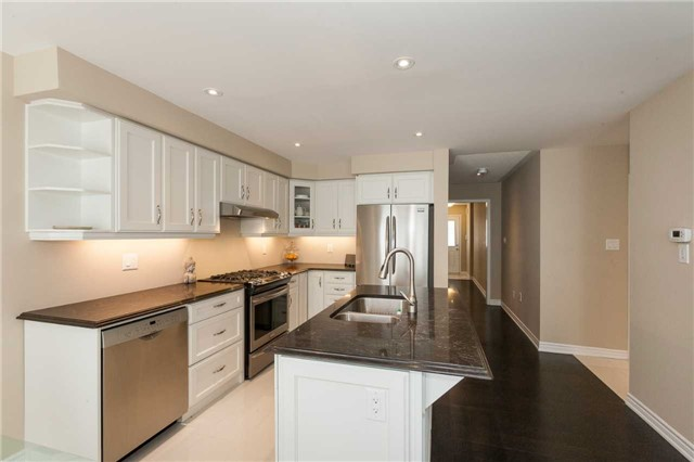 Townhouse at 84 Quillberry Clse, Brampton, Ontario. Image 16