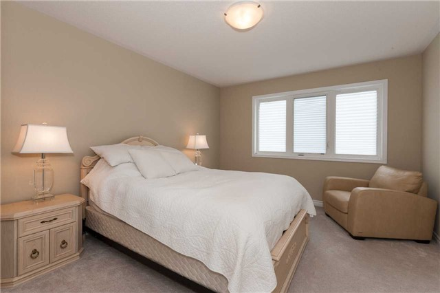 Townhouse at 84 Quillberry Clse, Brampton, Ontario. Image 5