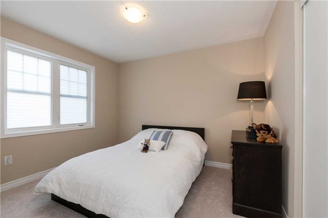 Townhouse at 84 Quillberry Clse, Brampton, Ontario. Image 7