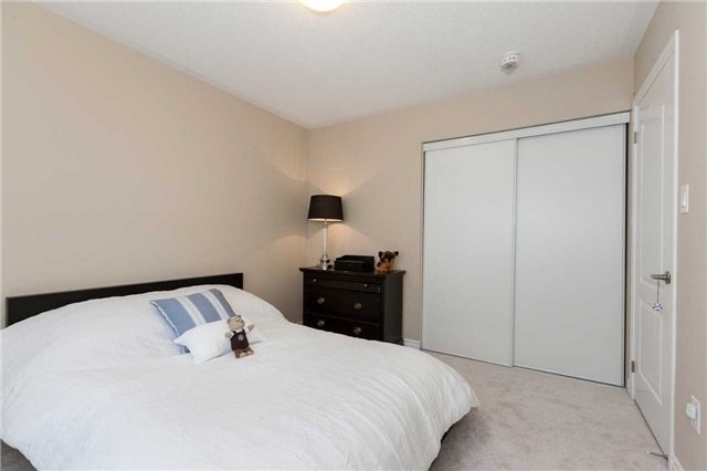 Townhouse at 84 Quillberry Clse, Brampton, Ontario. Image 8
